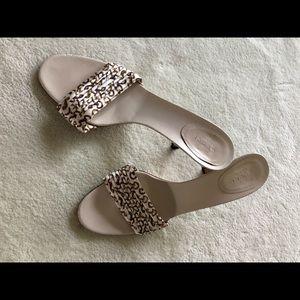 Gucci white n Fabric heel